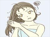 髪の傷みが気になる女性